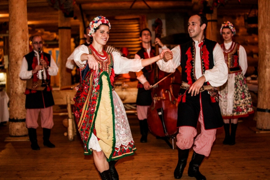 Polish Folk Show - All inclusive dinner - POLAND ACTIVE Travel Agency - Explore Cracow and ...